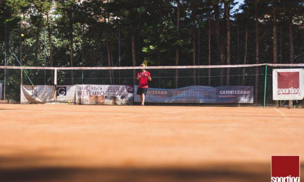 Tennis, anche dopo i 50 anni è lo sport che fa bene al fisico e all'umore