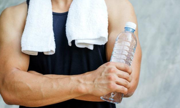 Idratazione: l'importanza dei liquidi durante l'allenamento